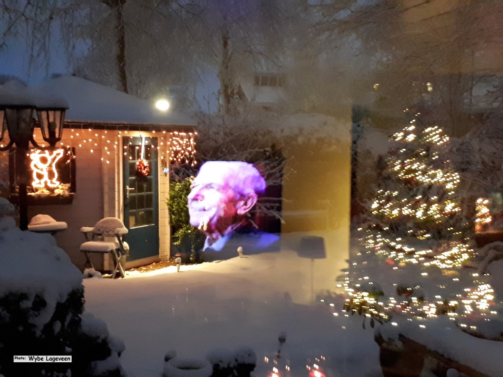 Snow and Window effects (Medium).jpg